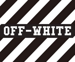 オフホワイト
